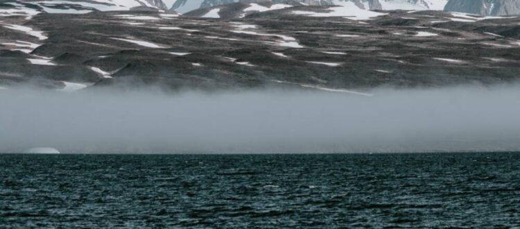Arctic coastline - Photo by Annie Spratt on Unsplash_cropped